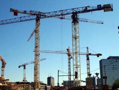Konjunkturexperten korrigieren nach den jüngsten Konjunkturdaten ihre Wachstumsprognosen nach oben.