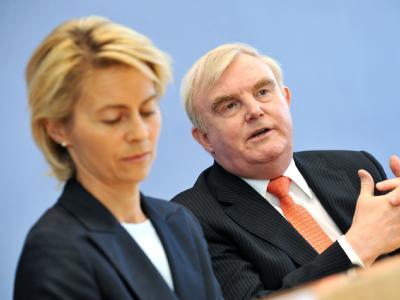 DIHK-Präsident Driftmann zusammen mit Bundesarbeitsministerin von der Leyen. (Archivbild)