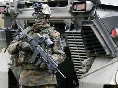 Soldat der deutschen Eingreiftruppe für Afghanistan