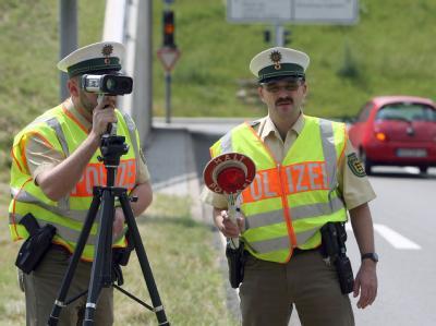 Geschwindigkeitsmessung: Politiker haben eine Punkte-Amnestie für Bagatelle-Verkehrssünder gefordert. (Symbolbild)