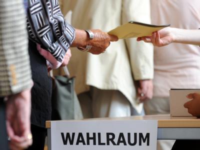 Laut einer Vorgabe des Bundesverfassungsgerichts hätte das Wahlrecht zum 30. Juni 2011 reformiert werden.