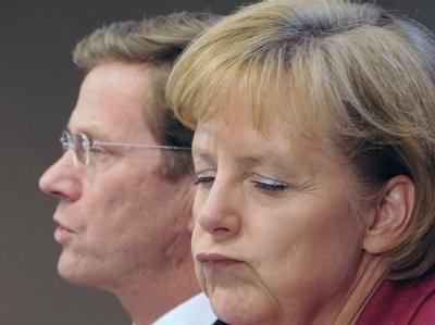 Bundeskanzlerin Merkel (CDU) und Bundesaußenminister Westerwelle (FDP). Noch läuft in der Koalition nicht alles glatt.