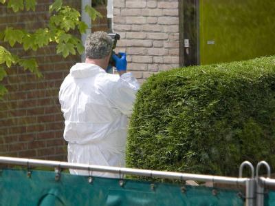 Ein niederländischer Ermittler an einem Tatort. (Archivbild)