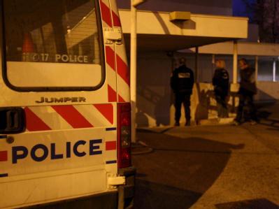 Französische Polizei am Ort eines Verbrechens. Bei einem Nachbarschaftsdrama in Paris hat es fünf Tote gegeben. (Symbolbild)