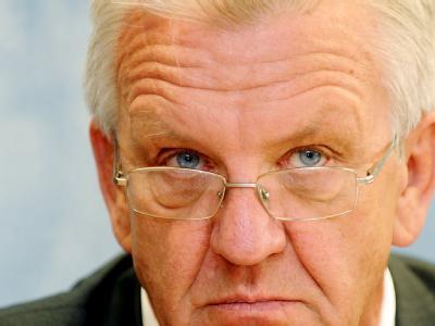 Ministerpräsident Kretschmann ist mit seinem Wunsch nach einem längeren Bau- und Vergabestopp in Sachen Stuttgart 21 bislang nicht erfolgreich.