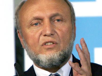 Der Staat wird nach Einschätzung des ifo-Chefs Hans-Werner Sinn im Fall Opel regelrecht erpresst.