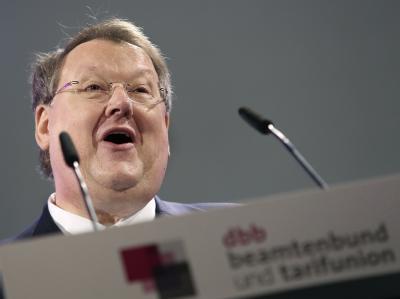 Der Vorsitzende des Beamtenbundes (dbb), Peter Heesen, will keine