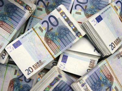 Bund, Länder und Gemeinden müssen 2009 mit 6,6 Prozent weniger Steuereinnahmen auskommen.