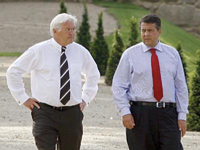 SPD-Kanzlerkandidat Steinmeier zusammen mit Umweltminister Gabriel. (Archivbild)