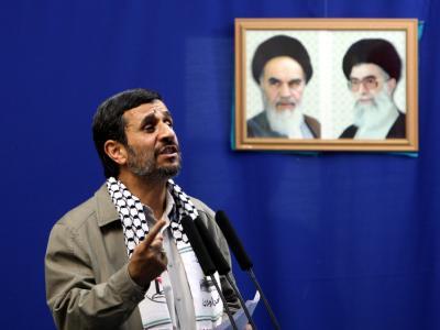Ahmadinedschad, hier im September in der Universität von Teheran, verlangt vom Westen die Einstellung aller Unterstützung für Israel.
