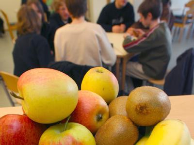 Der Bundesrat hat das Gesetz für kostenloses Obst an Schulen passieren lassen. (Symbolbild)