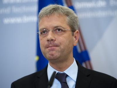 Norbert Röttgen will im Kampf um den CDU-Parteivorsitz in NRW gegen den Landespolitiker Armin Laschet antreten.