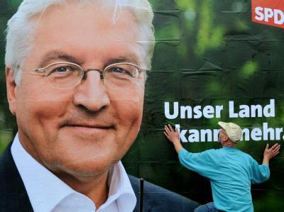 Ein SPD-Wahlplakat mit dem Bild des Kanzlerkandidaten Frank-Walter Steinmeier.