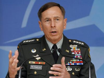 Nach Ansicht von General David Petraeus könnte eine öffentliche Koran-Verbrennung in den USA den US-Soldaten im Ausland «erhebliche Probleme».