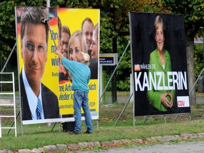 Wahlplakate von FDP und CDU. Nun geht es an die Koalitionsverhandlungen.