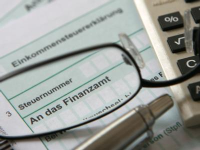 Paul Kirchhof plädiert für ein radikal vereinfachtes Steuerrecht.
