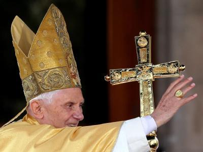 Papst Benedikt XVI. soll eine Einladung von Bundespräsident Wulff nach Deutschland angenommen haben.