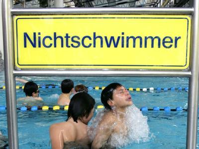 45 Prozent der Schüler in Deutschland können am Ende der vierten Klasse noch nicht sicher schwimmen.