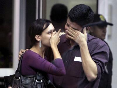 Verzweifelte Angehörige am Flughafen von Rio de Janeiro.