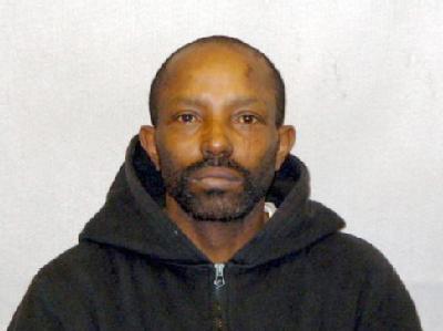 Der mutmaßliche Täter war erst 2005 nach Verbüßung einer 15-jährigen Gefängnisstrafe wegen Vergewaltigung freigekommen.