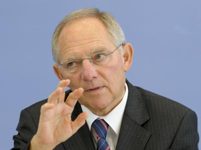 Bundesfinanzminister Wolfgang Schäuble ist im Steuerstreit mit der FDP erneut auf die Bremse getreten. (Archivbild)