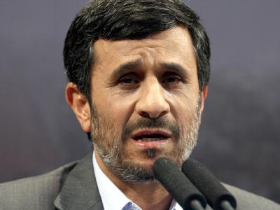 Irans Präsident Mahmud Ahmadinedschad im Juni 2010 auf einer Pressekonferenz in Teheran