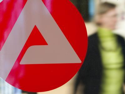 Das Vorhaben der Agentur für Arbeit, Arbeitslose zu Erziehern umzuschulen, ist höchst umstritten. Foto: Uwe Anspach