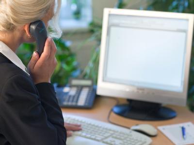 Arbeitsministerin Ursula von der Leyen: Unternehmen sollen ihre Mitarbeiter besser vor Stress durch Computer und Smartphones schützen. Foto: Patrick Pleul