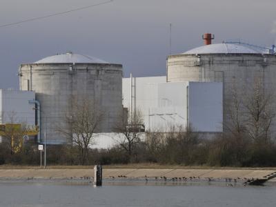 Das Atomkraftwerk in Fessenheim im Elsass in Frankreich (Archivbild vom 28.12.2009). Die EU hat Sicherheitschecks für Europas Atomkraftwerke beschlossen.