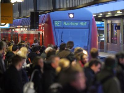 Während der Warnstreiks sind bundesweit volle Bahnsteige zu erwarten.