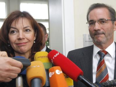 Matthias Platzeck und die Fraktionsvorsitzende der Linkspartei, Kerstin Kaiser.