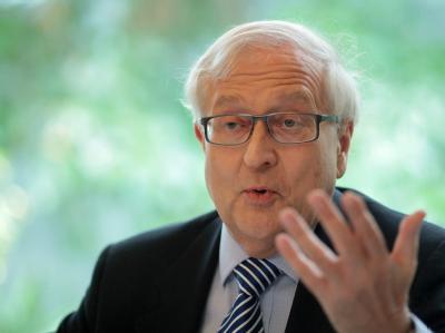 Bundeswirtschaftsminister Brüderle freut sich über das Wachstum der deutschen Wirtschaft..