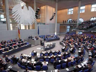 2009 waren 40 Prozent aller Mitglieder der im Bundestag vertretenen Parteien über 65 Jahre alt.