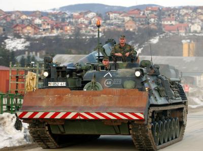 Bundeswehr-Pionierpanzer, der im Rahmen der European Union Force (EUFOR) in Bosnien-Herzegowina eingesetzt ist. Foto: Michael Hanschke/ Archiv