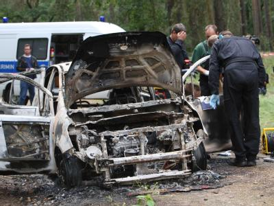 In dem Fahrzeugwrack kamen zwei Kinder zu Tode. Foto: Nestor Bachmann/Archiv