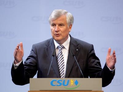 Viele in der CSU sind froh, dass Horst Seehofer die CSU Partei wieder auf Kurs gebracht hat.