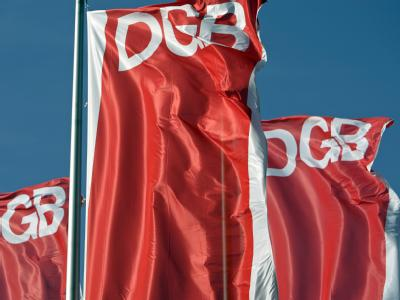 Aus Sicht der Gewerkschaften ist die Regierung beim Abbau des Schuldenbergs auf dem falschen Weg. Foto: Jan Woitas/Archiv