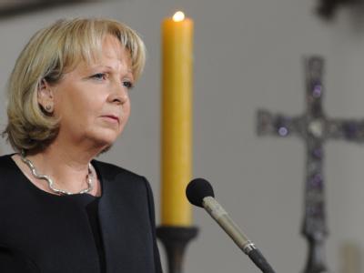 Nordrhein-Westfalens Ministerpräsidentin Kraft sprach in der Salvatorkirche in Duisburg beim Gedenkgottesdienst für die Opfer der Loveparade-Katastrophe.