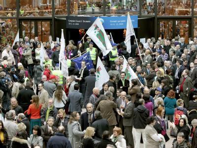 EU-Beamte legen im Streit um mehr Geld die Arbeit nieder. (Archivbild vom 14.12.2009)