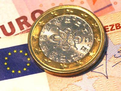 Eine portugiesische Ein-Euro-Münze: Vor dem EU-Gipfel wird heftig um die Verschärfung des Stabilitätspaktes und um mögliche Strafen für Defizitsünder gestritten.