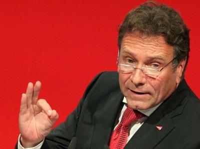 Linksparteichef Klaus Ernst steht unter Manipulationsverdacht.
