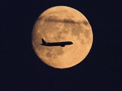 Fluggesellschaften und Flughafenbetreiber halten vor allem wegen des Frachtverkehrs Nachtflüge für notwendig. Foto: Frank Rumpenhorst