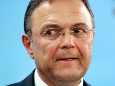 Bundesinnenminister Hans-Peter Friedrich sieht noch ausreichend Zeit für die schwarz-gelbe Regierungskoalition, um einen Kompromiss zu finden. Foto: Wolfgang Kumm / Archiv