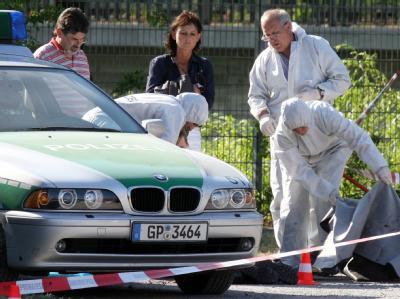 Spurensicherung im April 2007 am Tatort auf der Heilbronner Theresienwiese Archivfoto: Bernd Weißbrod