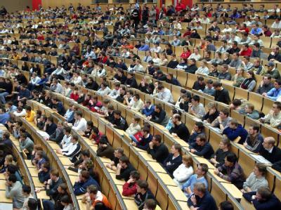 Hörsaal an der Karlsruher Universität Fridericiana