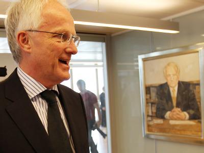 Der amtierende Ministerpräsident Jürgen Rüttgers hat den Rückzug von allen politischen Ämtern angekündigt.