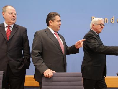 Steinbrück (l), Gabriel, Steinmeier (r)