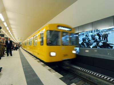 Am ersten Tag ist die Fahrt mit der «Kanzler-U-Bahn» für alle Passagiere kostenlos.