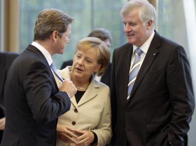 Bundeskanzlerin Angela Merkel, der CSU-Vorsitzende Horst Seehofer und FDP-Chef Guido Westerwelle bei den Koalitionsverhandlungen.
