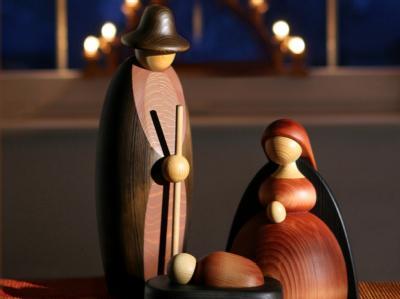 Krippe mit Joseph, Maria und dem Jesus-Kind: Weihnachten ist das Fest der Geburt Jesu Christi.ö